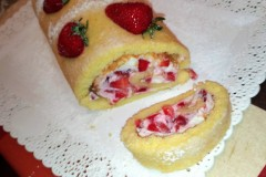 Rotolo con yogurt mascarpone e fragole