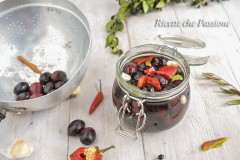 Olive nere in salamoia ricetta calabrese