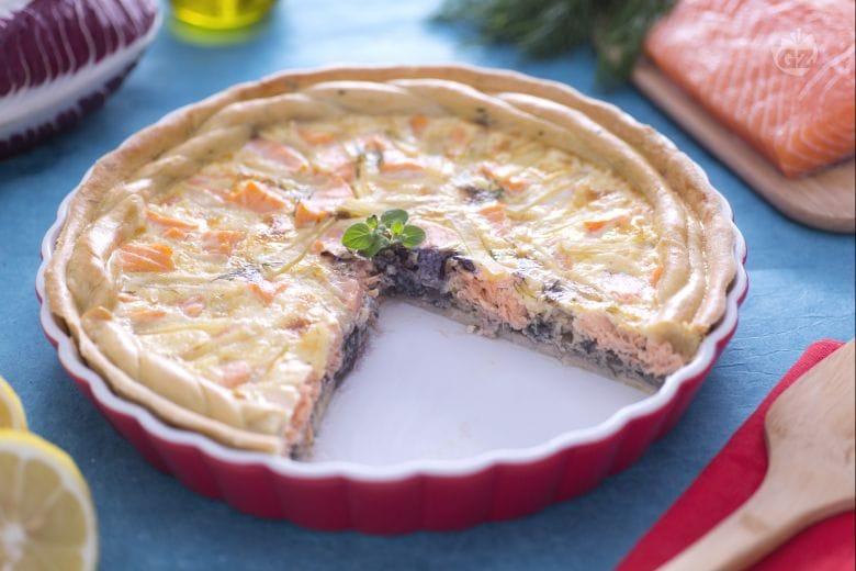Quiche  al salmone con patate e radicchio