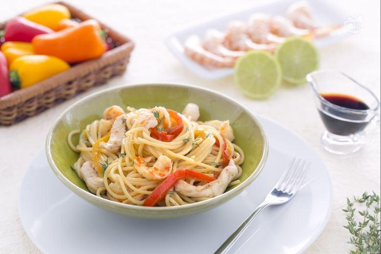 Spaghetti saltati con pollo  e mazzancolle