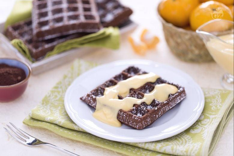 Gaufre al cacao con crema al mandarino