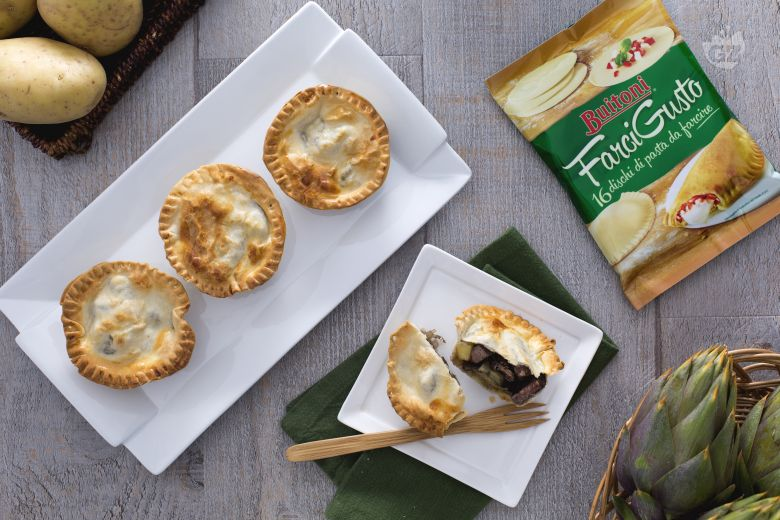 Mini pie di manzo patate e carciofi