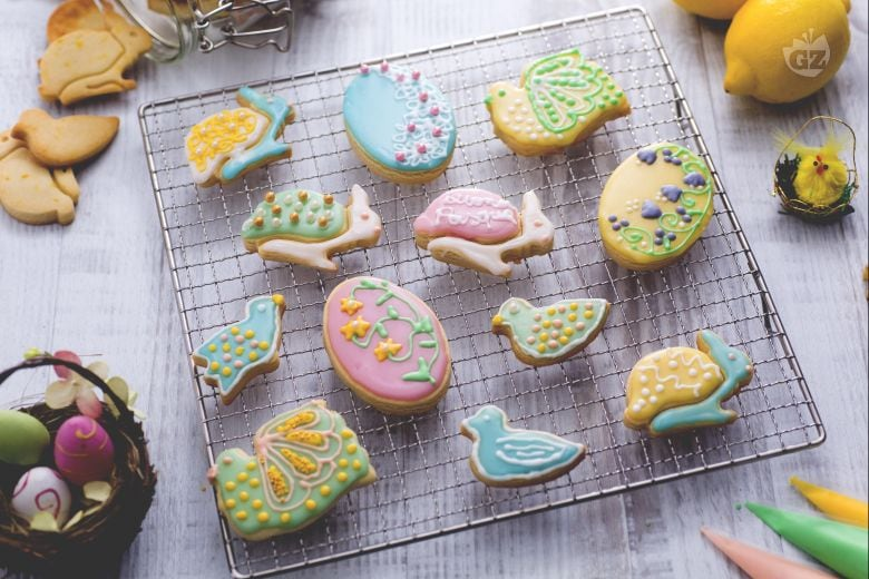 Biscotti di Pasqua colorati