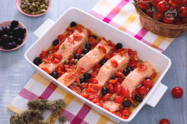 Ricetta Salmone Giallo Zafferano.Ricetta Filetti Di Salmone Alla Mediterranea La Ricetta Di Giallozafferano