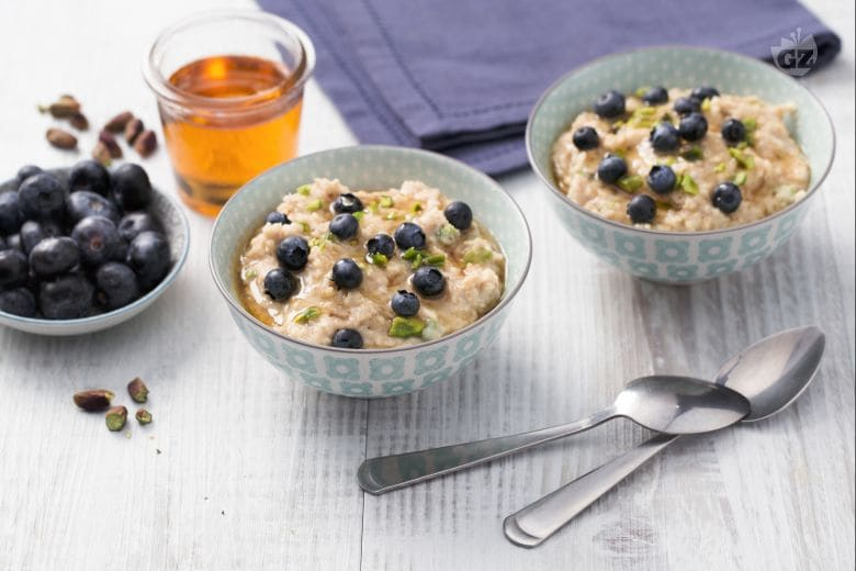 Porridge mirtilli e pistacchi