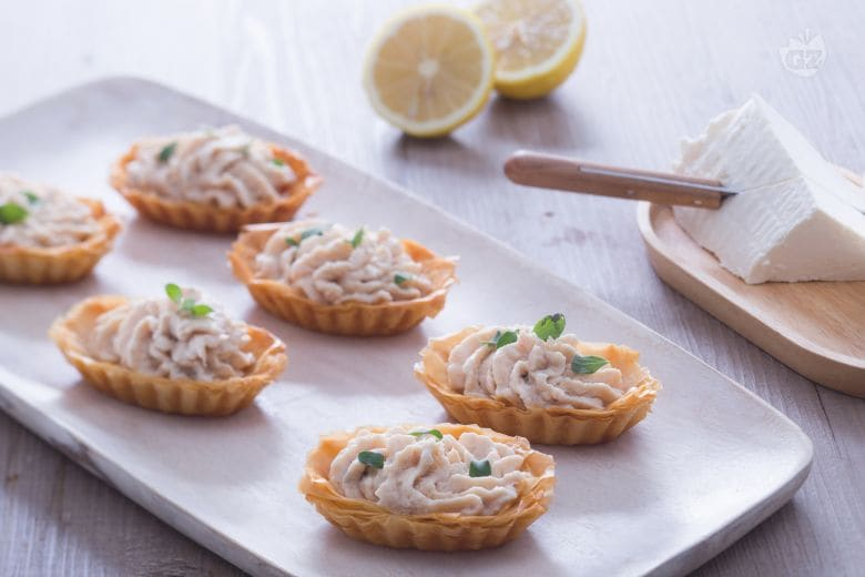 Barchette croccanti con mousse di tonno