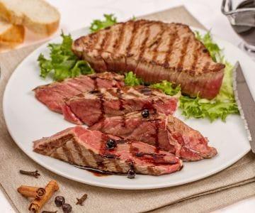 Ricetta Tagliata Di Manzo Con Rucola E Pomodorini La Ricetta Di Giallozafferano