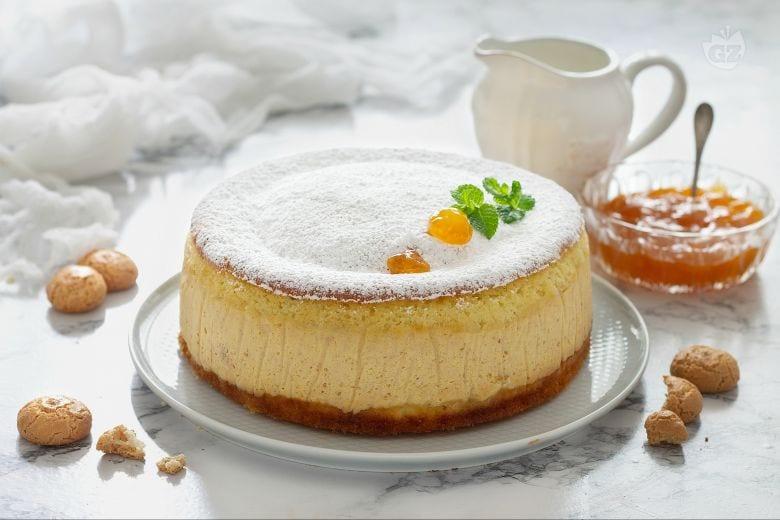 Torta versata con crema alla confettura di albicocca
