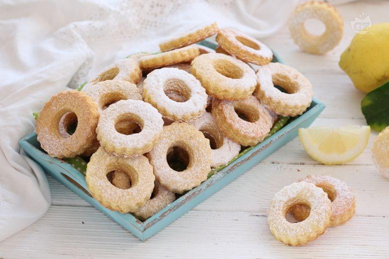 Biscotti rustici al limone
