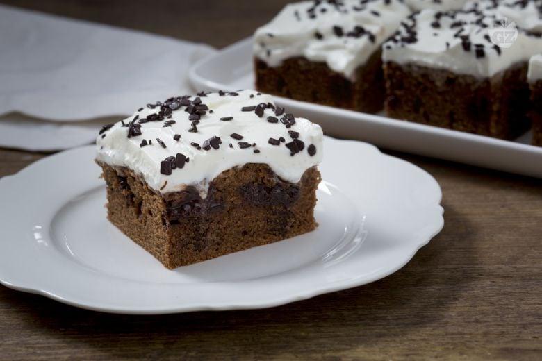 Poke cake al cioccolato