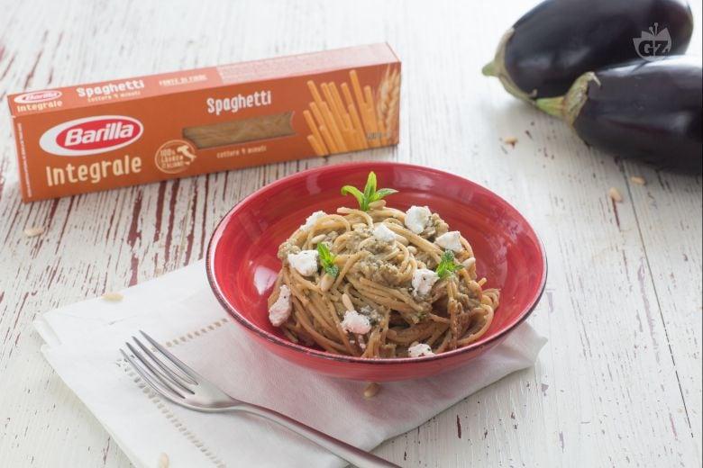 Spaghetti integrali con melanzane arrosto e menta