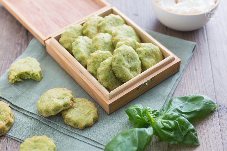 Biscotti salati al basilico