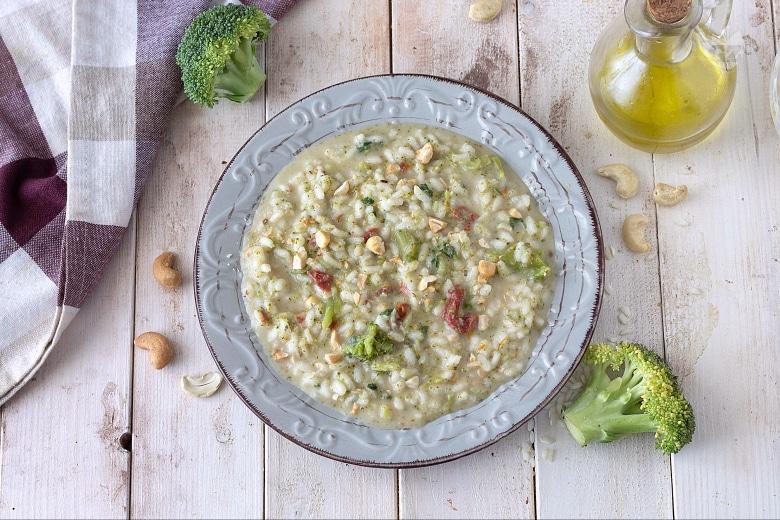 Risotto con broccoli e anacardi