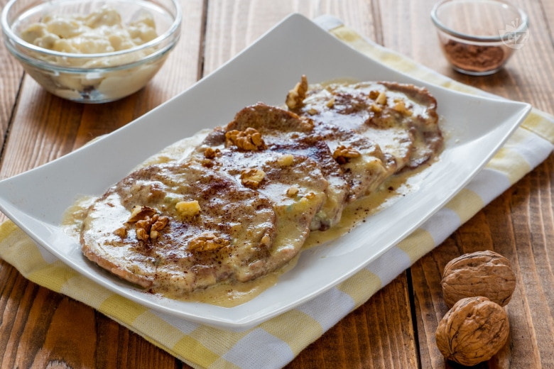 Scaloppine al gorgonzola con noci e cacao