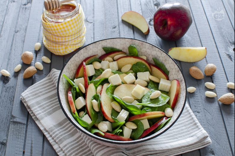 Insalata di mele e spinacini