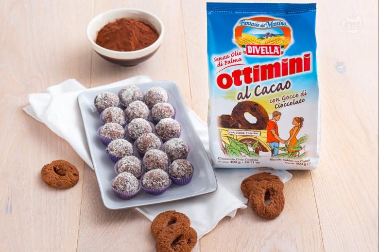 Tartufini di biscotti al mascarpone e cocco
