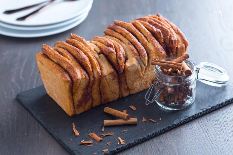 Cinnamon pull apart bread