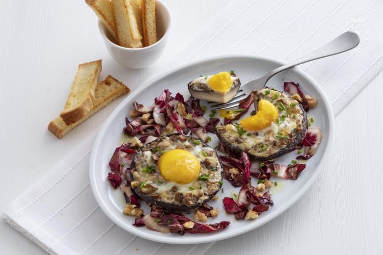 Portobello ripieni di uova e formaggio