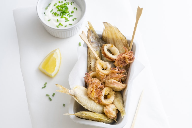 Fritto misto di pesce e maionese al limone
