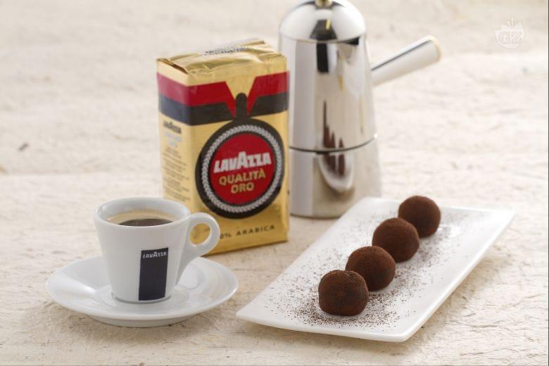 Tartufini al caffè e cardamomo