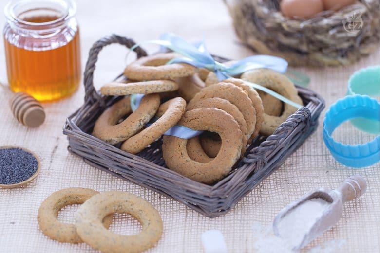 Biscotti al miele e semi di papavero