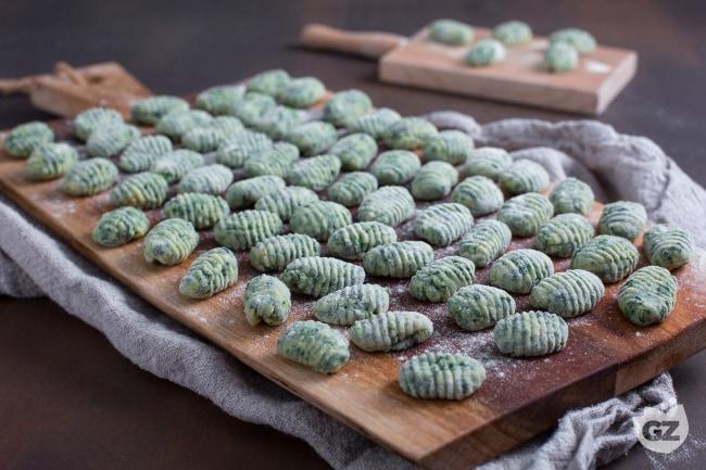 Ricetta Gnocchi Spinaci E Patate.Ricetta Gnocchetti Verdi La Ricetta Di Giallozafferano