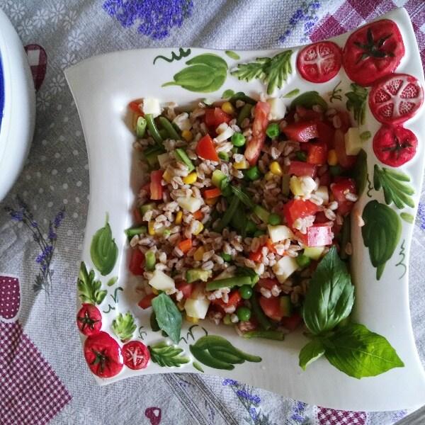 Ricetta Insalata di farro con verdure - La Ricetta di