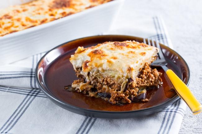 Ricetta moussaka la ricetta di giallozafferano - Piatti tipici della cucina greca ...