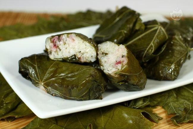 Ricetta involtini in foglie di vite la ricetta di for Piatto tipico romano
