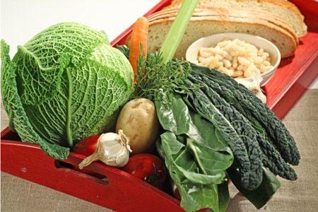 La Ribollita è sicuramente uno dei piatti tipici più conosciuti ...