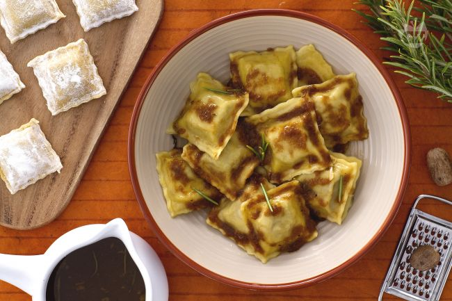 Ricetta agnolotti la ricetta di giallozafferano for Ricette primi piatti di carne