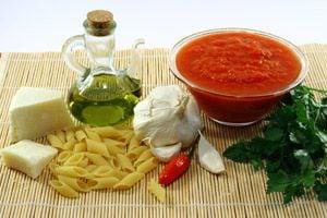 PENNE ALL'ARRABBIATA Pennearrabbiata_ingredienti_ric