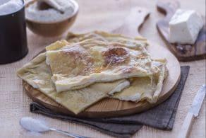 Ricetta Focaccia col formaggio (di Recco)