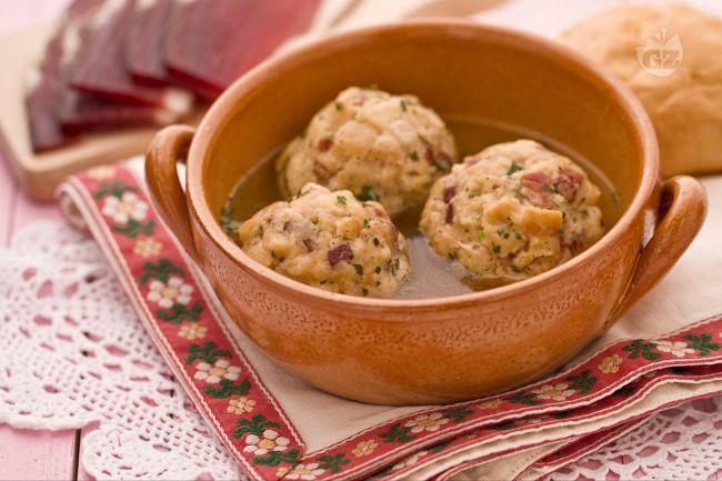 Ricetta canederli alla tirolese kn del la ricetta di for Piatto della cucina povera