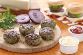 Miniburgers aromatici con formaggio