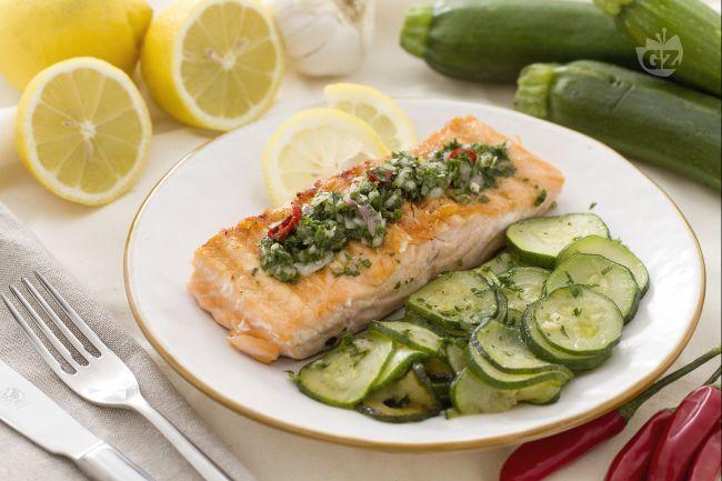 Ricetta salmone grigliato con salsa al prezzemolo la for Cucinare dentice