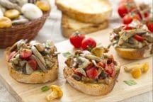 Bruschette con funghi trifolati