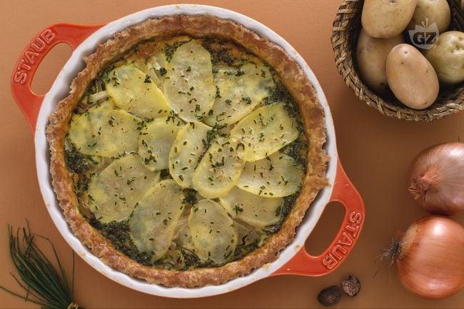 Torta rustica di patate e cipolle