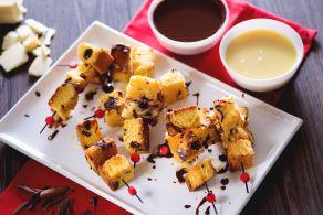 Ricetta Spiedini di panettone con fonduta ai due cioccolati