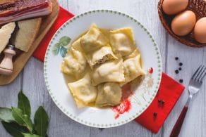 Ricetta Ravioli con brodo di cappone