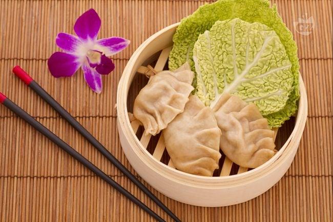 Ricetta ravioli cinesi al vapore la ricetta di for Piatti tipici cinesi