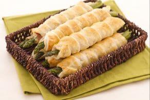 Ricetta Asparagi in sfoglia con crudo