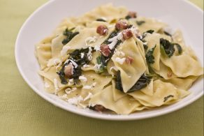 Maltagliati con spinaci e ricotta salata