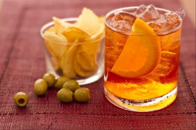 Ricetta spritz la ricetta di giallozafferano for Idee per aperitivo a casa