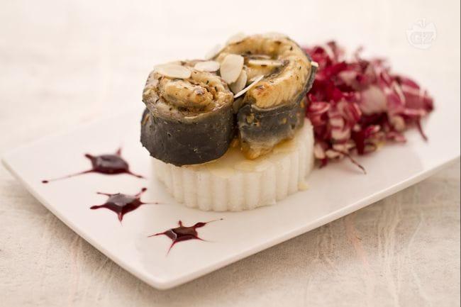 Ricetta anguilla in crosta di mandorle la ricetta di for Decorazioni piatti gourmet