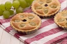 Crostatine all'uva
