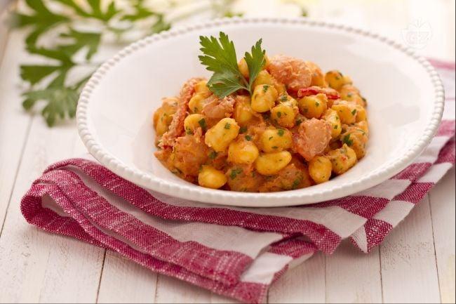 Ricetta gnocchetti con polpa di granchio e gamberetti la for Ricette bimby pesce primi piatti