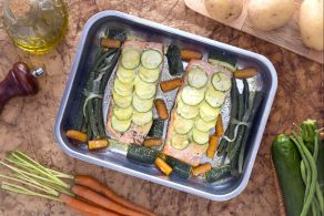 Ricetta Trancio di salmone in crosta di patate e zucchine