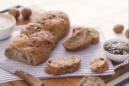 Ricetta treccia integrale la ricetta di giallozafferano - Diversi tipi di pane ...