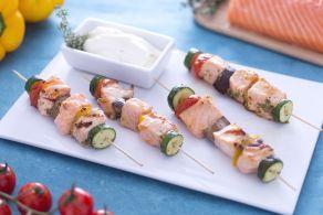 Ricetta Shish kebab di salmone con salsa yogurt